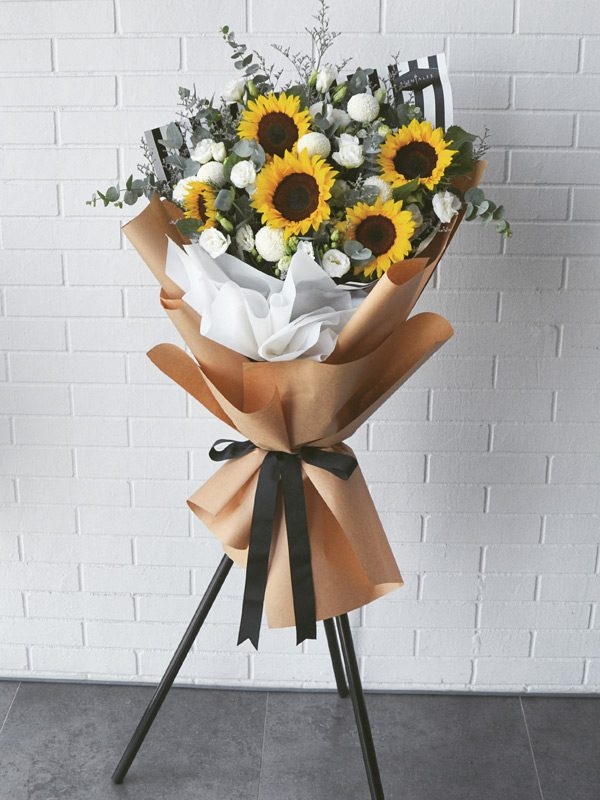sunflower-eustoma-opening-flower-stand