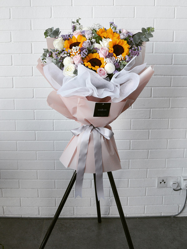 flying-colors-pink-opening-flower-stand
