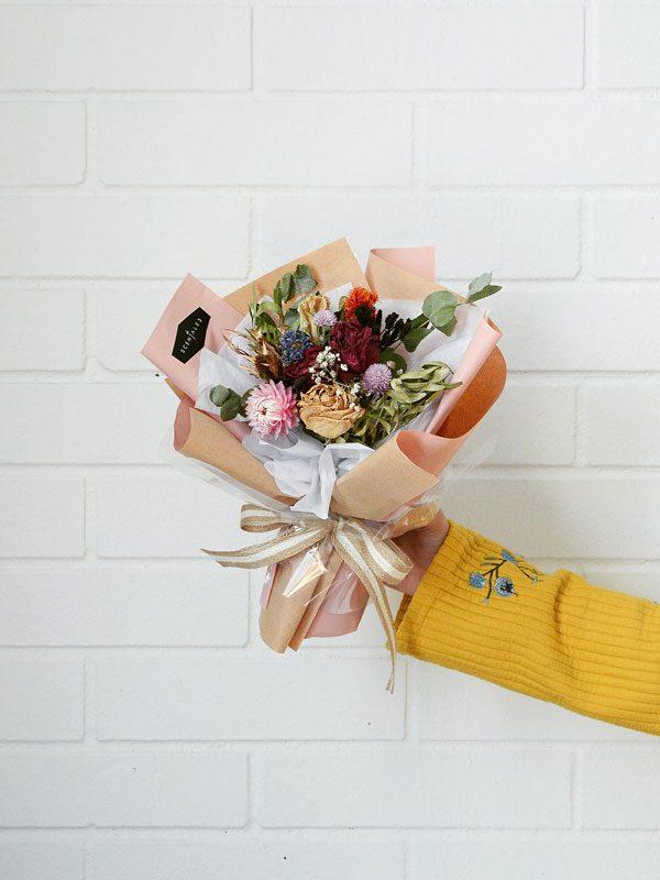 mia-dried-flower-bouquet