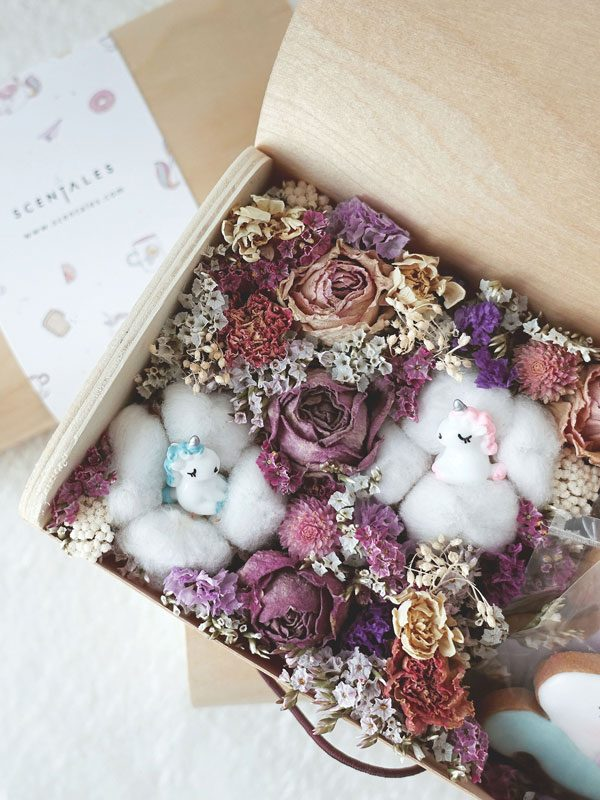 fluffy-unicorn-dried-flower-box
