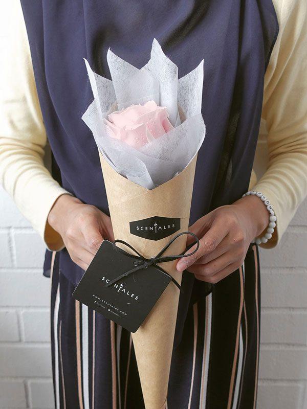 pink-rose-petite-flower-bouquet