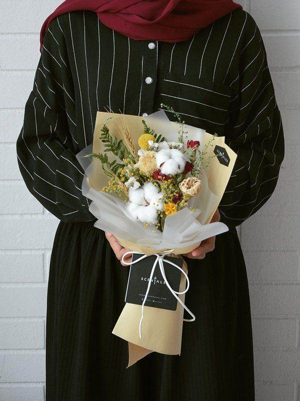 aurelia-dried-flower-bouquet