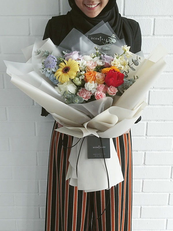be-you-tiful-flower-bouquet-toffee-01-600x800
