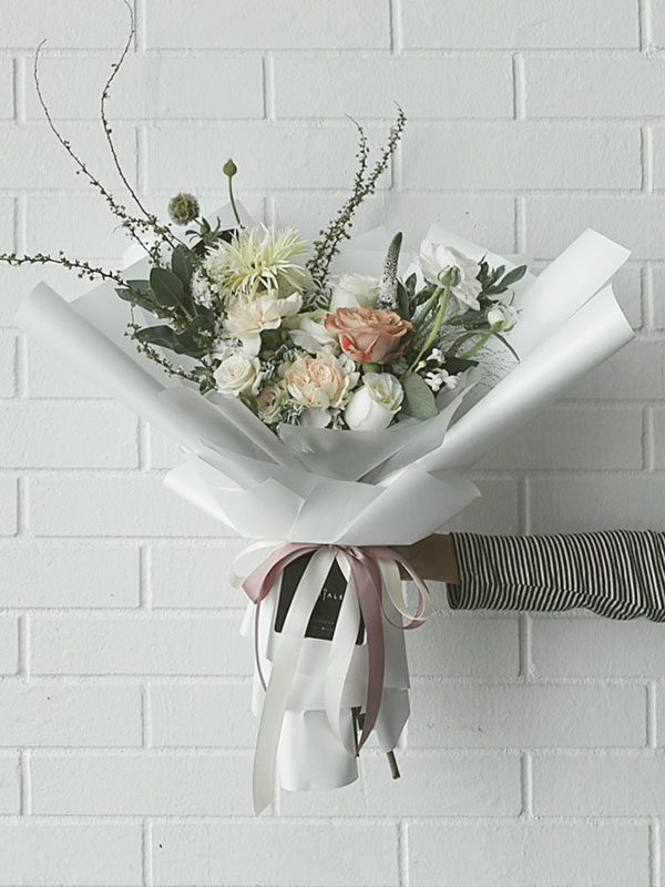 serenity-flower-bouquet-white-02-600x800