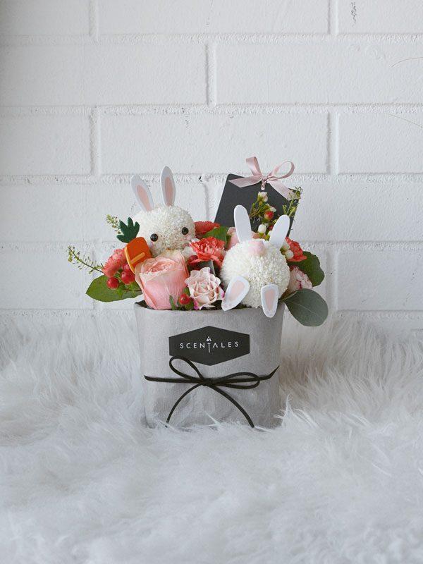 carrots-frenzy-kraft-bag-grey-with-bunnies