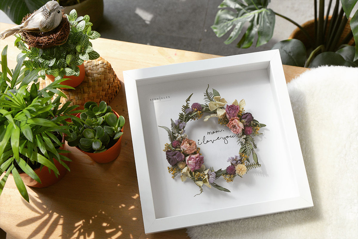 blog-mother-of-the-year-dried-flower-wooden-frame