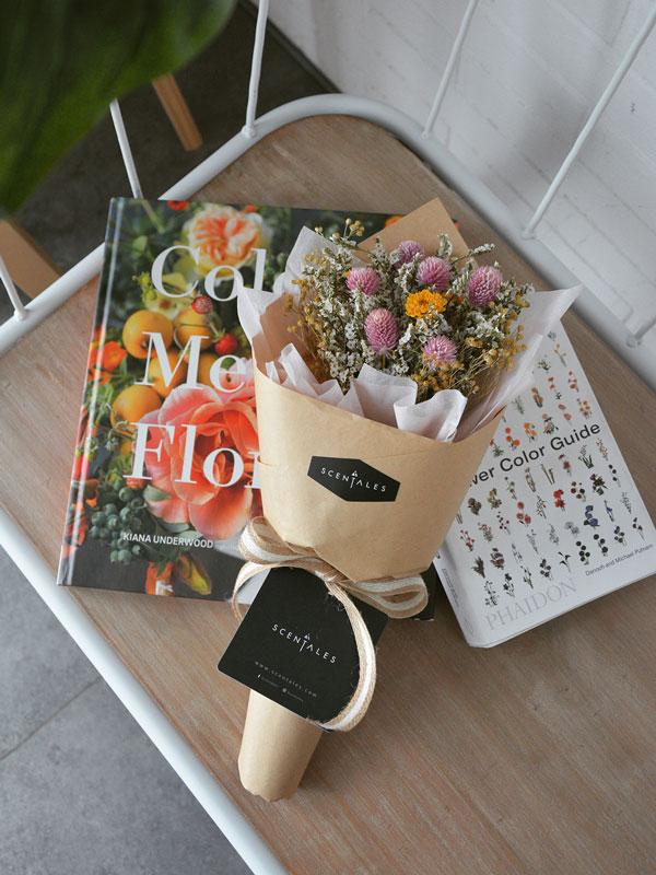 halona-dried-flower-bouquet