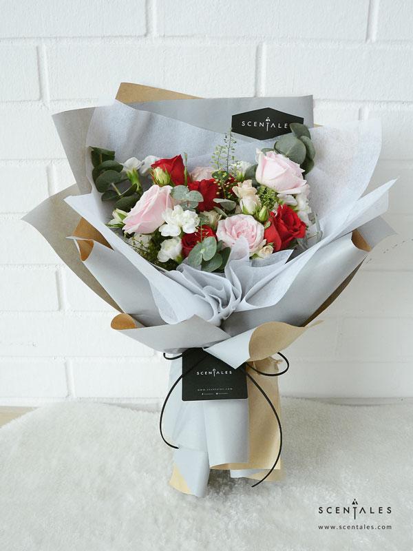 femme-fatale-flower-bouquet-lightaashblue