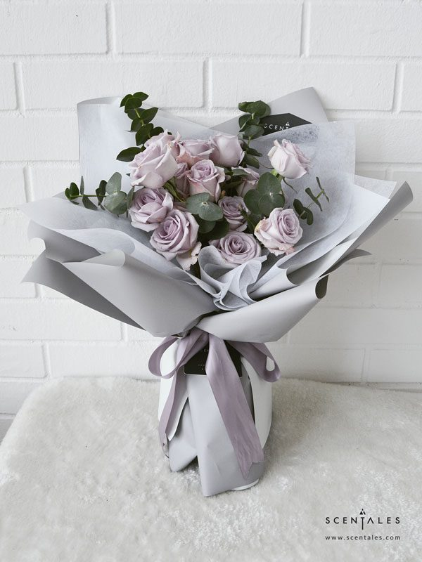 minimalist lilac rose grey flower bouquet