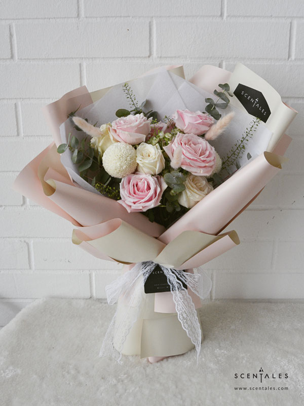 rosy-blush-flower-bouquet-pinkcream